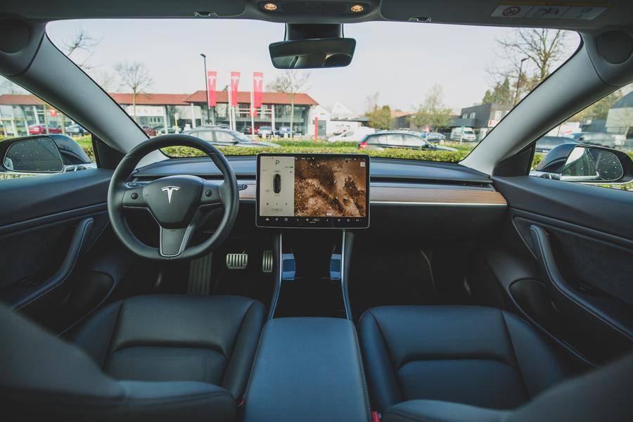 因转向助力隐患,特斯拉召回1.5万辆Model X