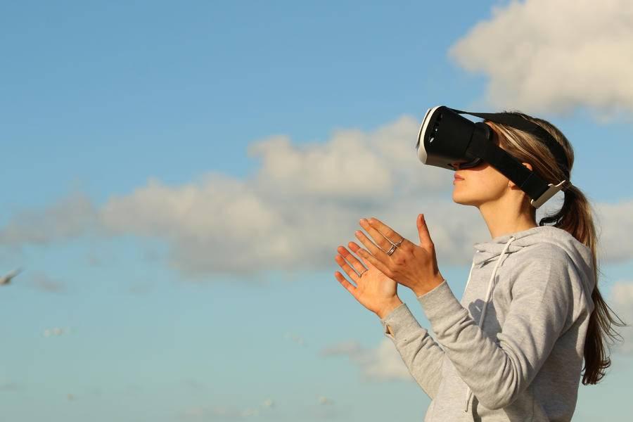 VR社交VS互联网社交——行业研究分析