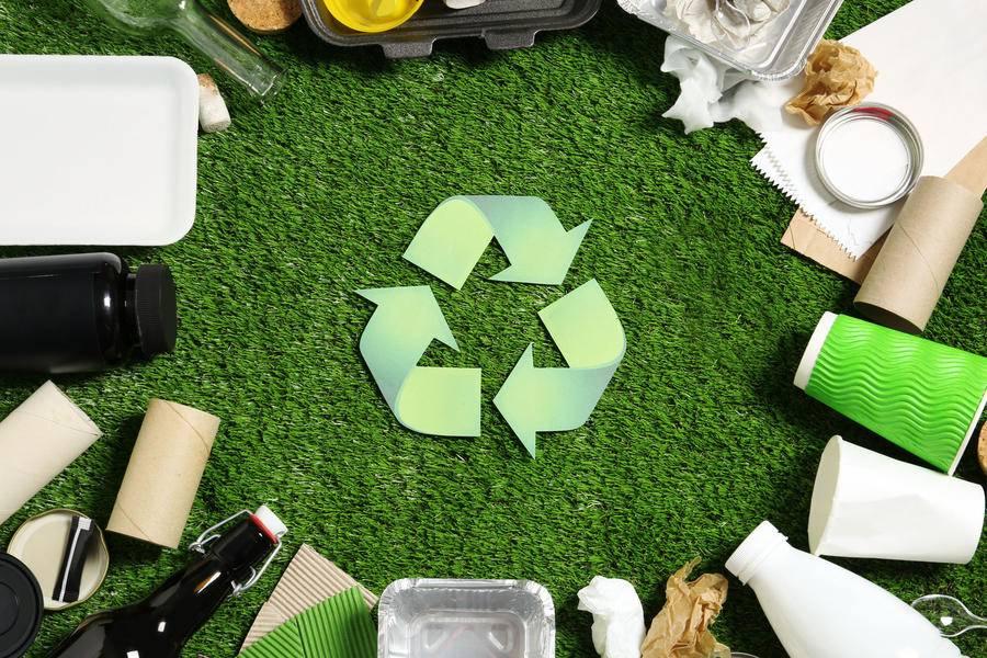 探访丨上海高校快递垃圾循环利用,智能回收机吃紧