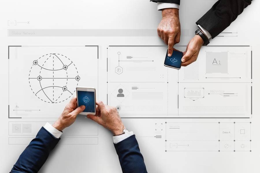 潘光伟:银行业数字化转型面临的挑战和应对策略