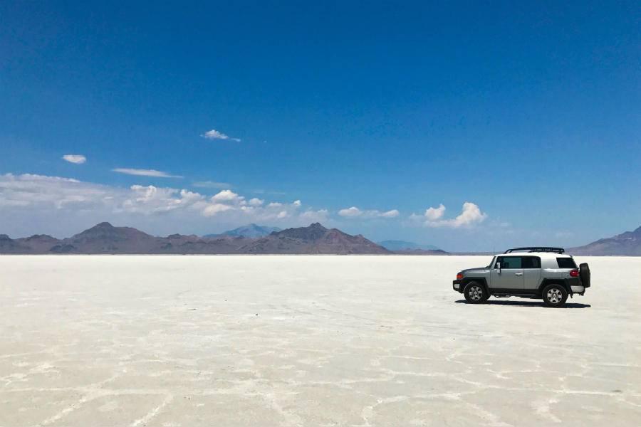 沙漠上的SUV,主机厂