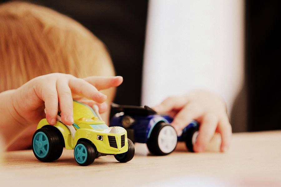 """让孩子在人工智能时代追逐""""后浪"""""""