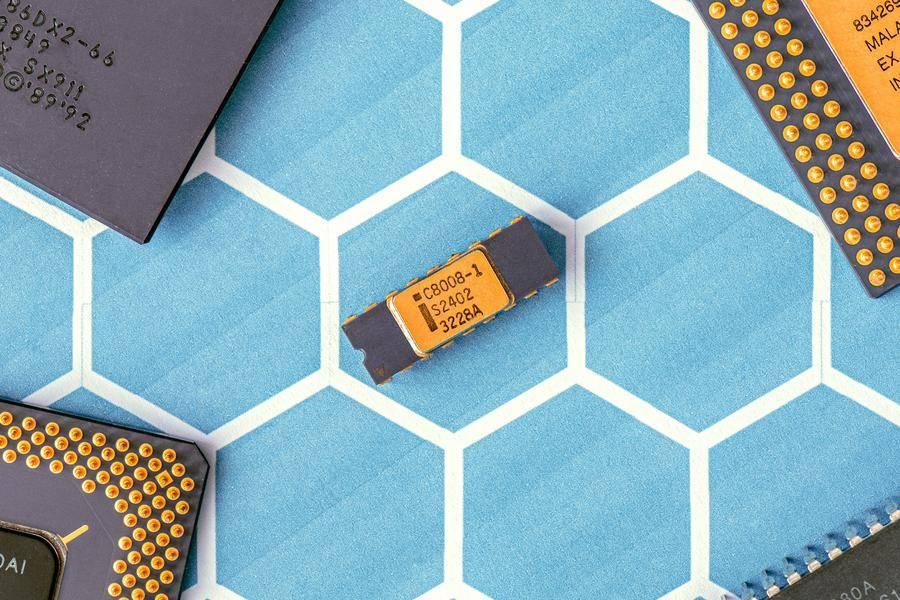 """芯片""""進化論"""":細數不為人知的最新芯片科技"""