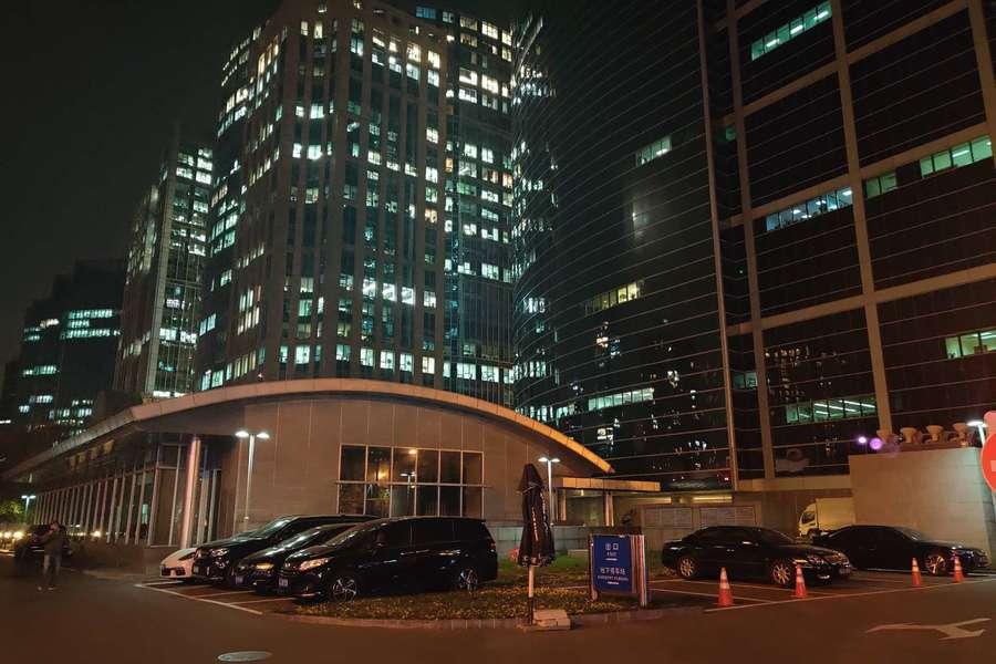 加班,夜晚办公楼