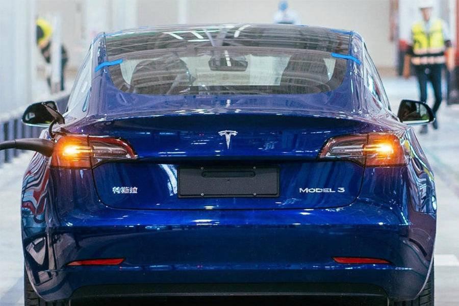 国产Model 3、宝马和捷豹路虎:这些车的尾标,为何需要抠掉?