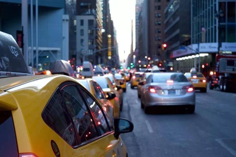 从车企中层到网约车司机:一样的车,不一样的人生