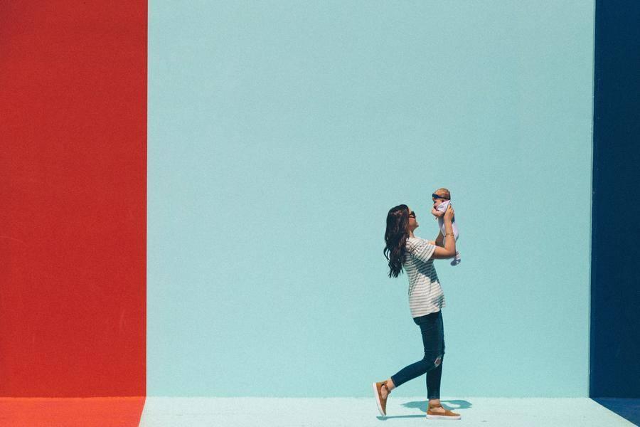 """""""母婴零售第一股""""爱婴室线下净利大幅下滑:线上正在吞食线下"""