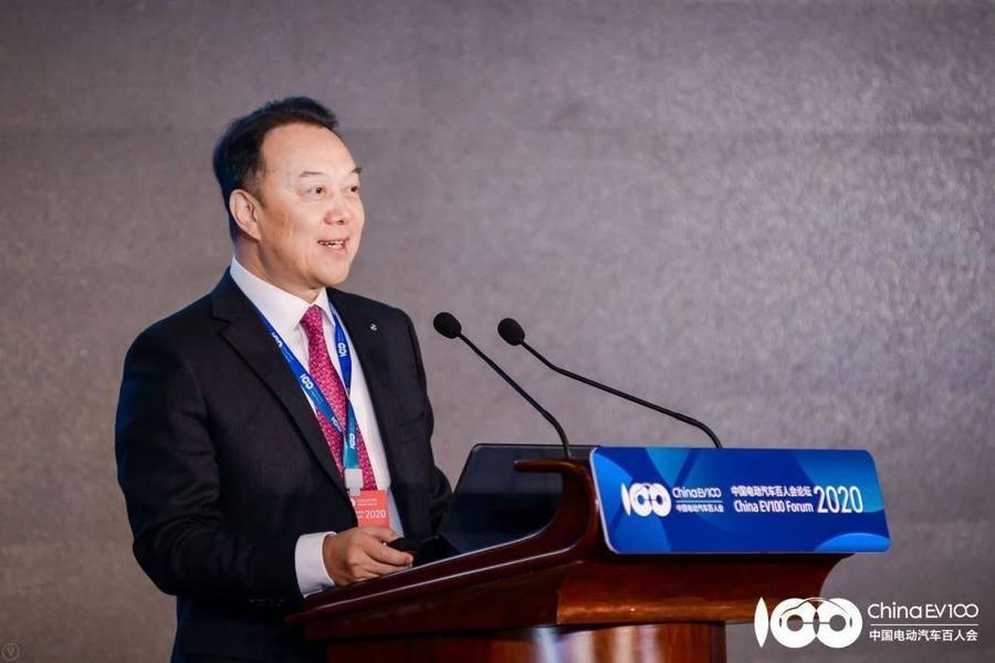戴姆勒大中华区执行副总裁冷炎:智能网联的突破与瓶颈