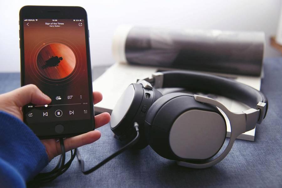 腾讯音乐Q1营收同比增长10%,订阅收入与付费用