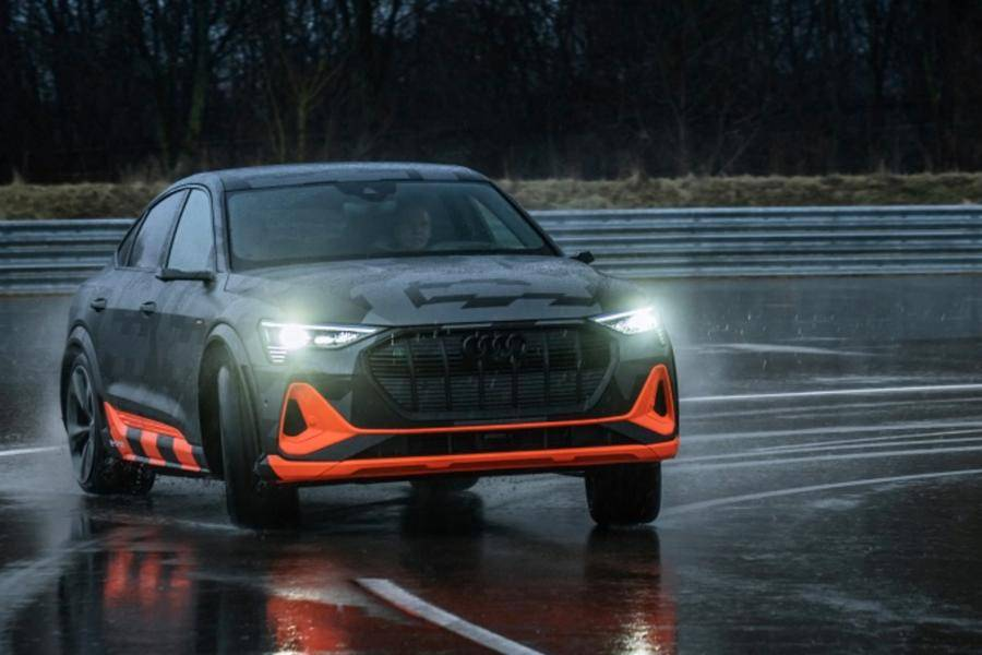 奥迪新车发布:全新A3 Sportback和三电机e-tron S