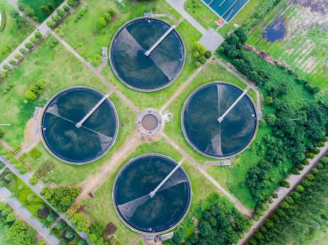 废水处理厂水池航拍
