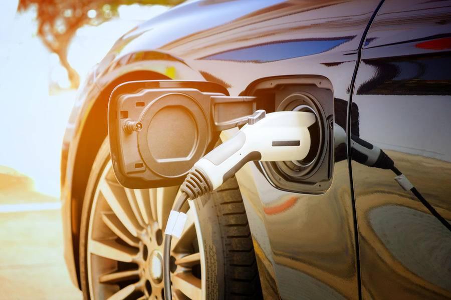 电动车企卖车还应该配送充电桩吗?