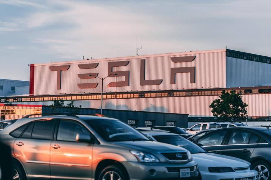 """拼多多""""碰瓷翻车"""",特斯拉拒绝交付Model 3"""