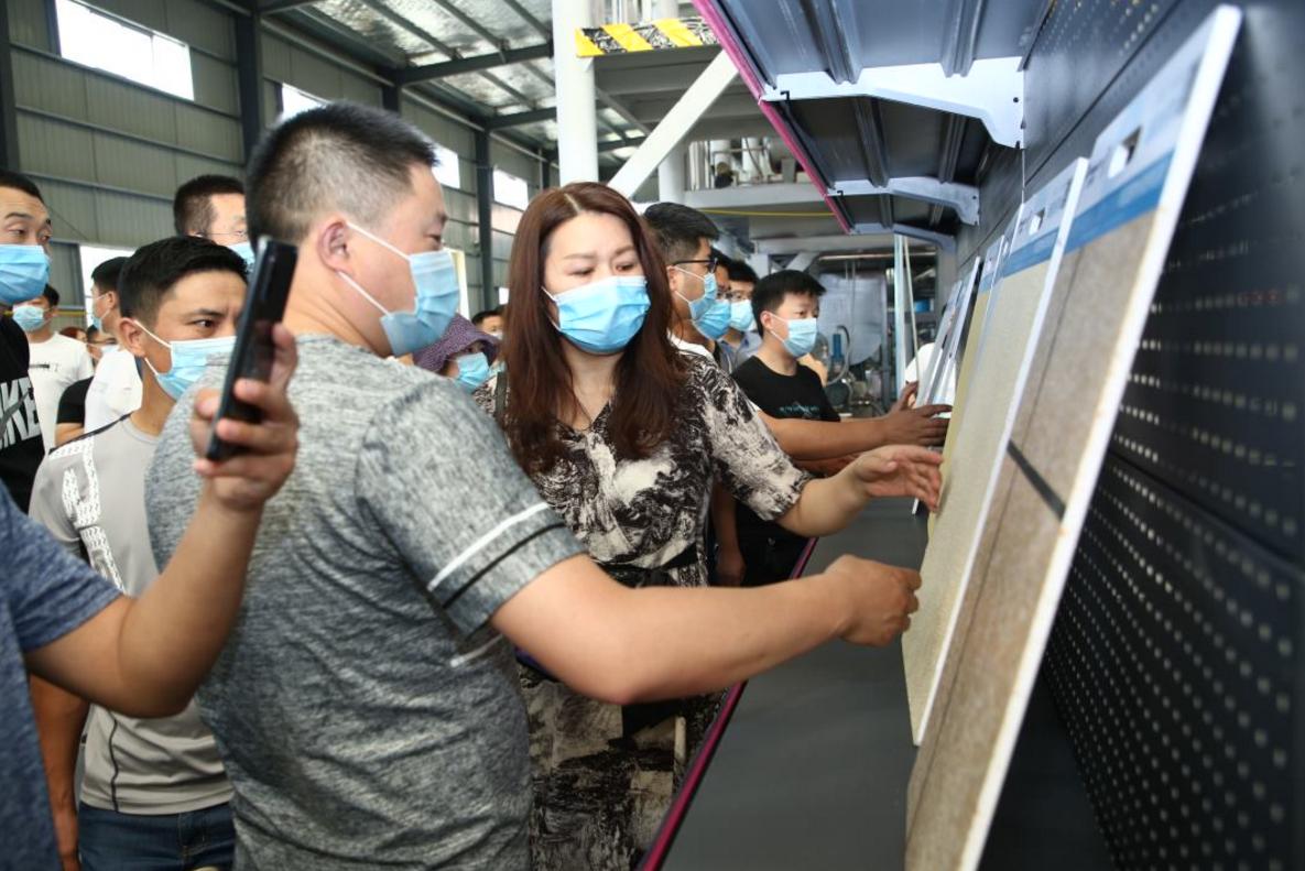 参观万华生态科技平舆工厂生产车间以及产品.jpg