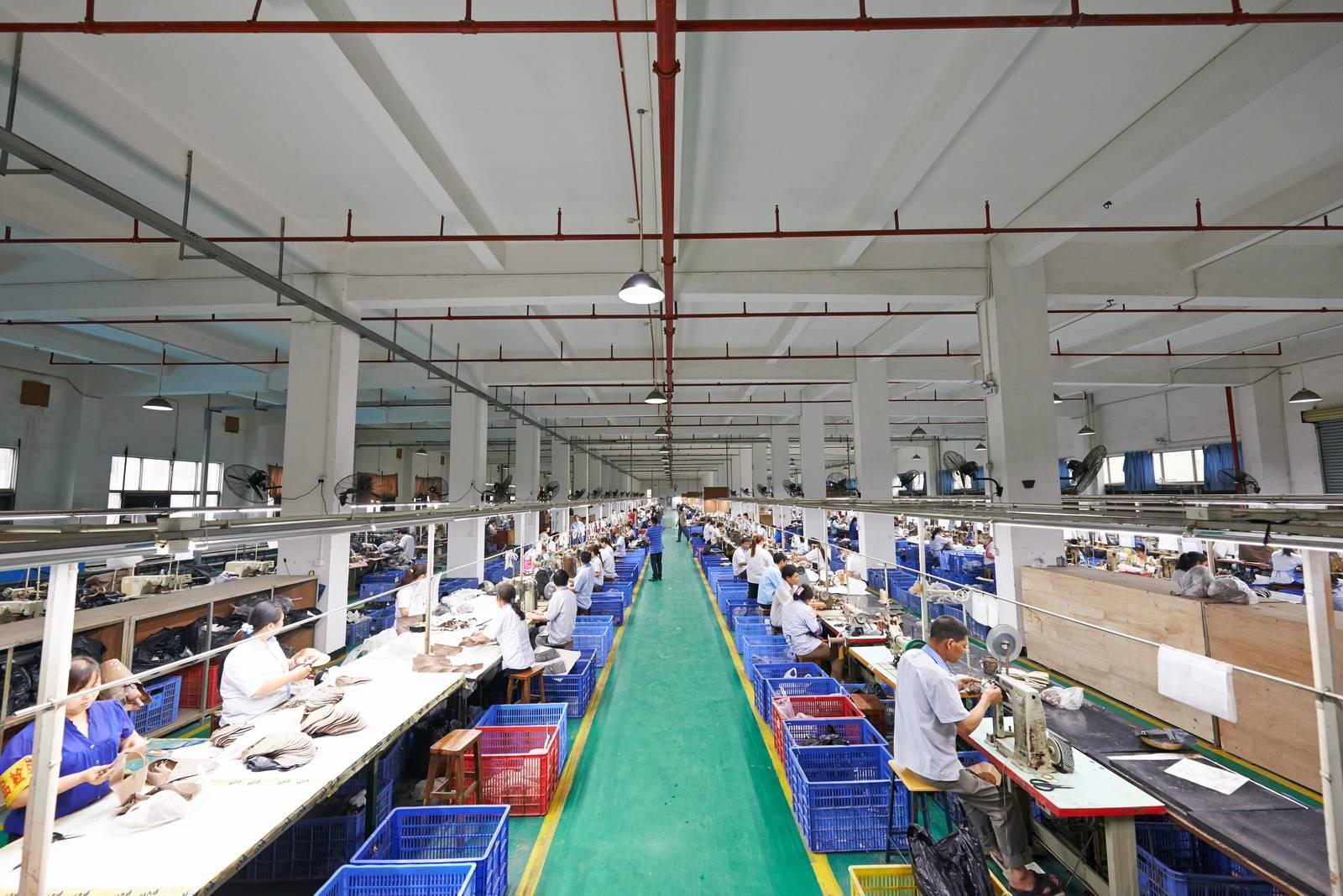 斐爾的工厂生产场景.jpeg