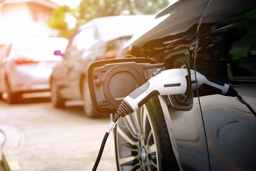 关于电动车充电速度的斗争何时可以解脱?