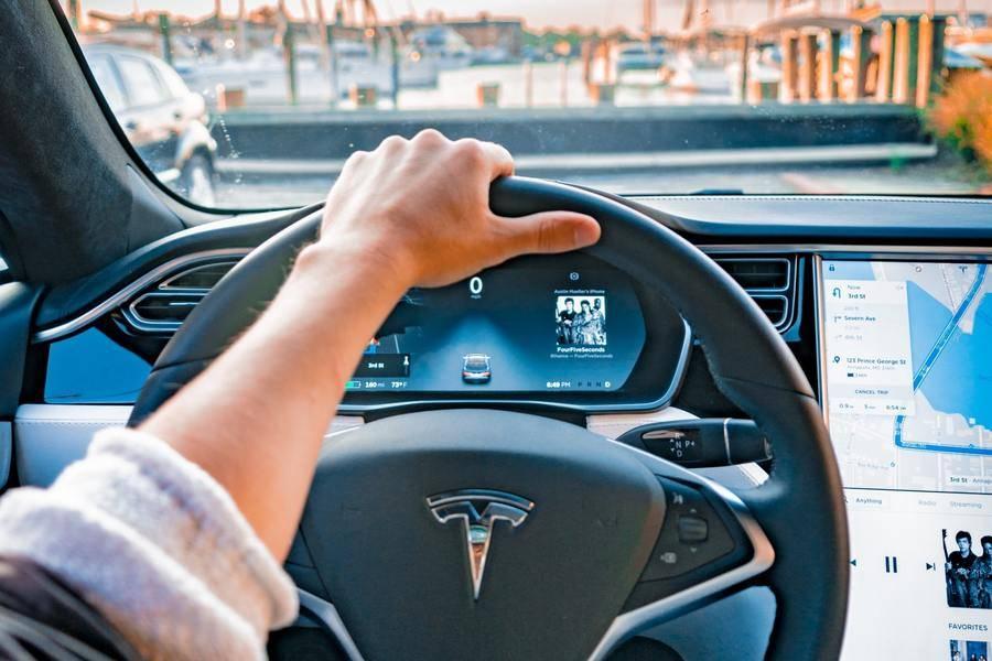 特斯拉,特斯拉,新能源汽车,电动汽车