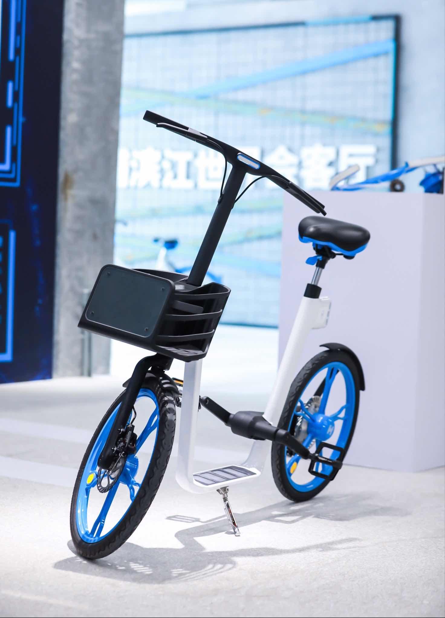 """哈啰新款概念单车""""云歌""""亮相,共享单车步入人车交互时代"""