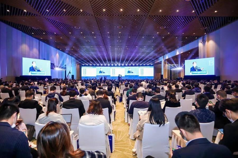 汉云携最新发展成果亮相两化融合暨工业互联网大会