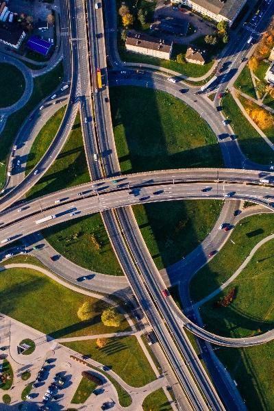 【亿欧智库】2021中国智能电动汽车竞争格局分析报告